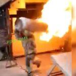 """""""Bombero Superhéroe"""", carga tanque de gas en llamas para evitar un incendio, tenemos el video"""